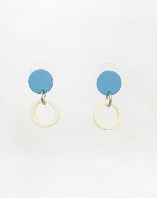 dot earring_milk